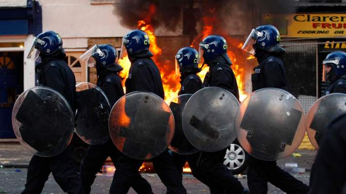2011 london riot cops